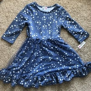 Girls NWT Dress -Star pattern -Ruffle skirt - Sz 6